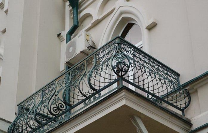 Кованые лестницы, перила и ограждения казань.